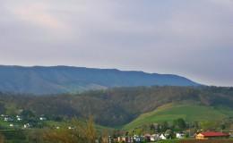 scene_Mountain-Town