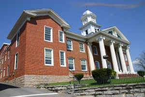 town_RussellCo-Courthouse